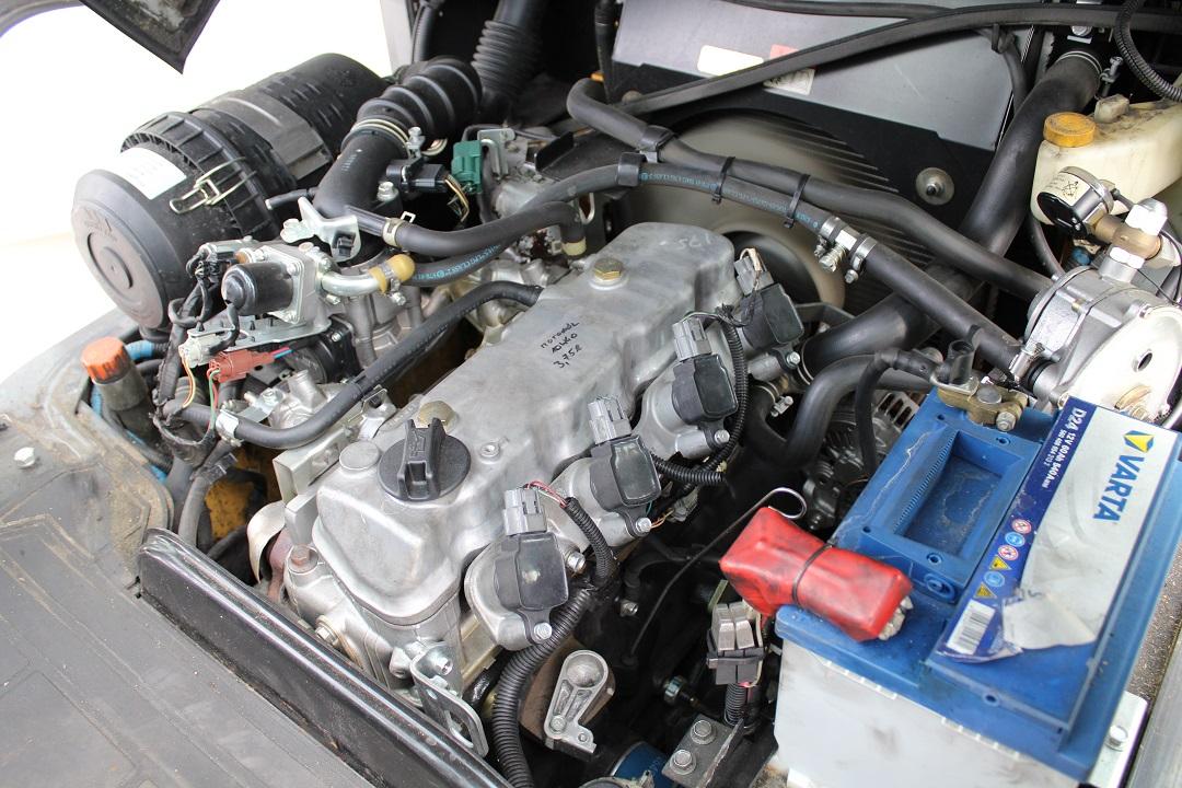 Atlet (Nissan) homlokvillág gázos targonca PG204003 -4