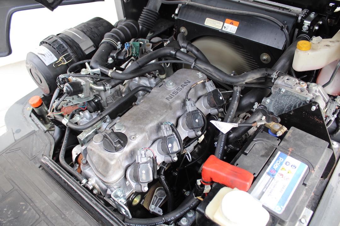 PG304011 Nissan gázos targonca2