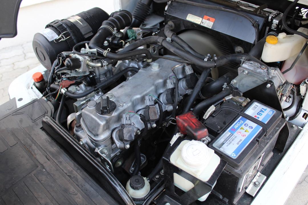 PG304019 Nissan gázos targonca3