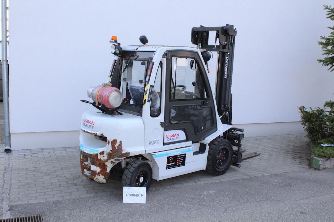 PG304019 Nissan gázos targonca
