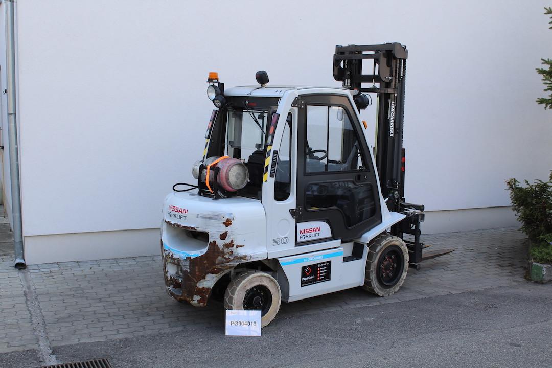 PG34018 Nissan gázos targonca