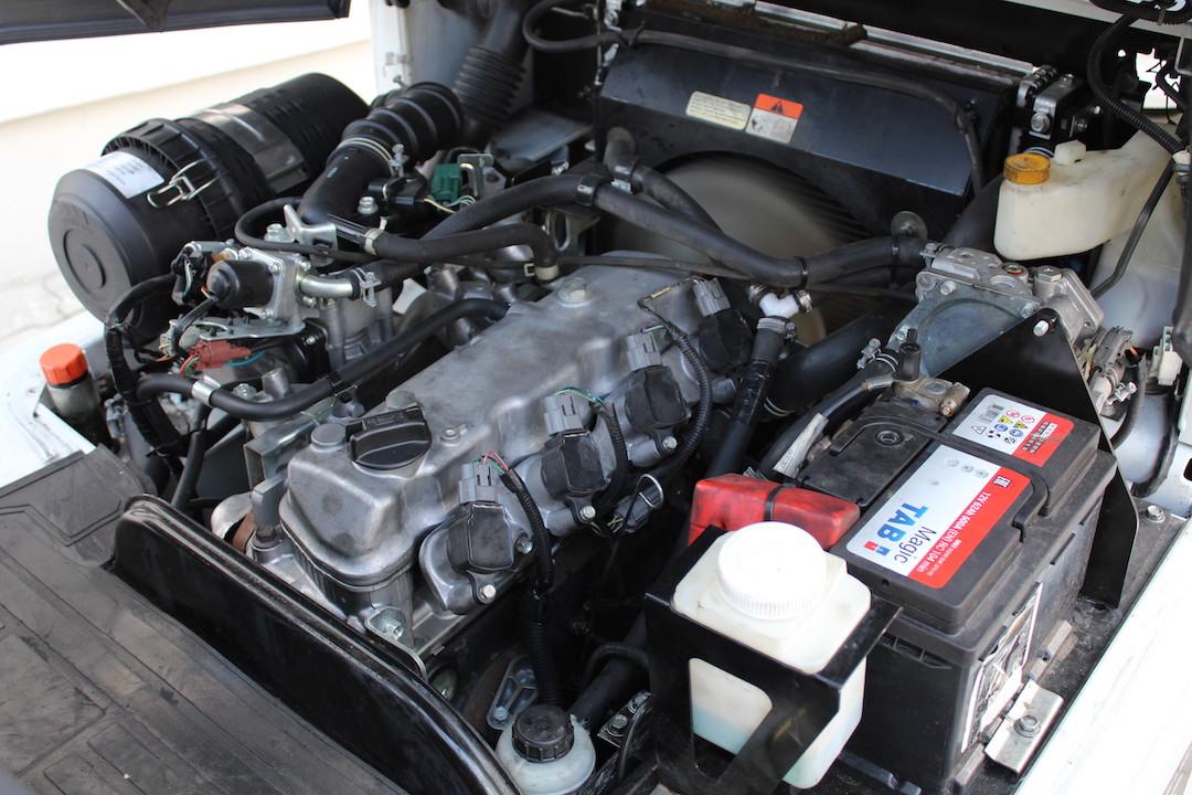 PG304020 Nissan gázos targonca3