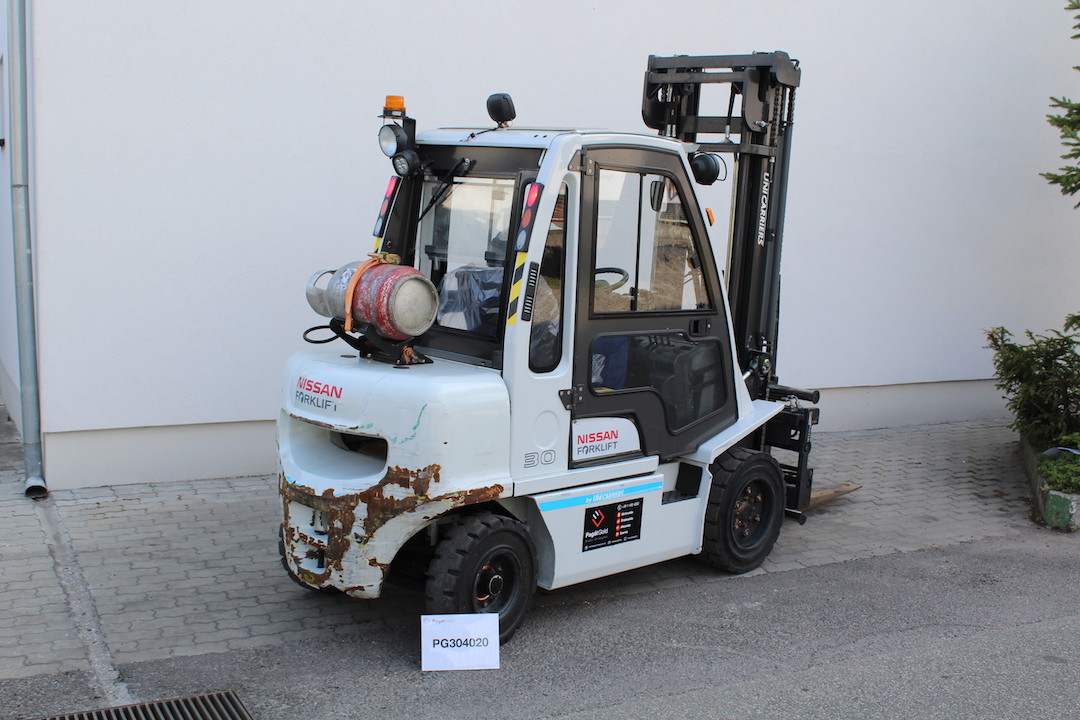 PG304020 Nissan gázos targonca1