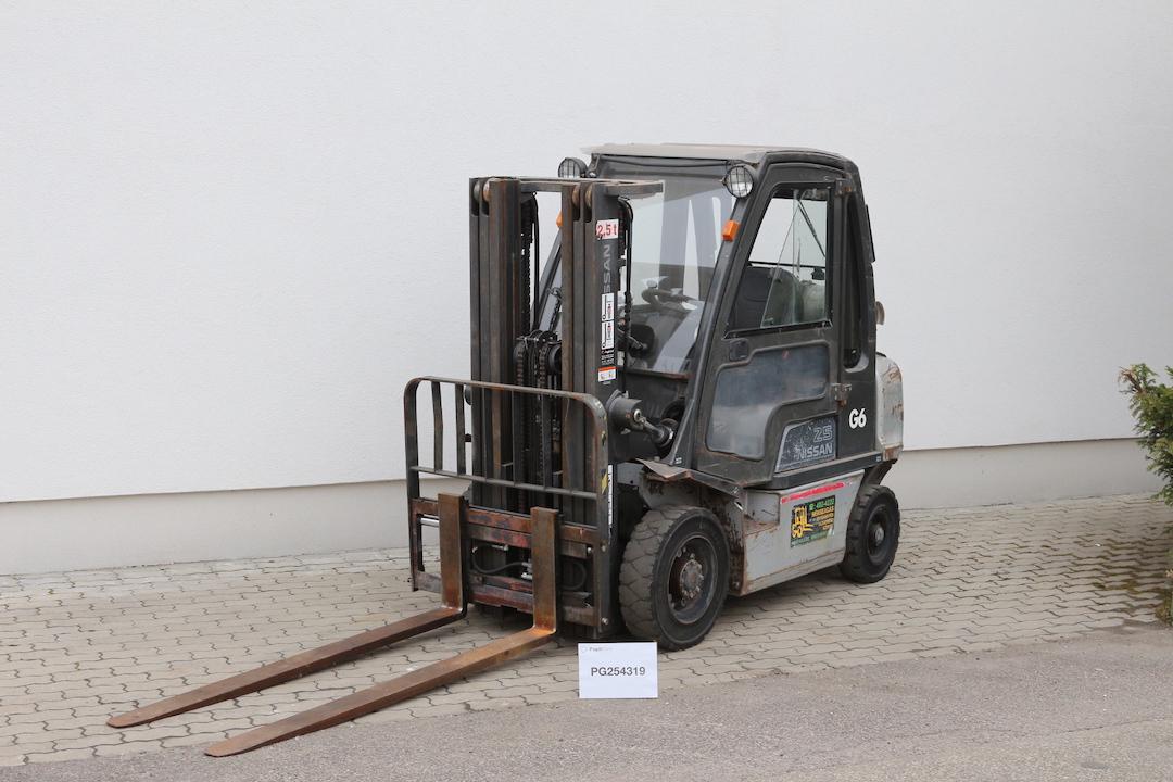PD254319 használt Nissan targonca - 3