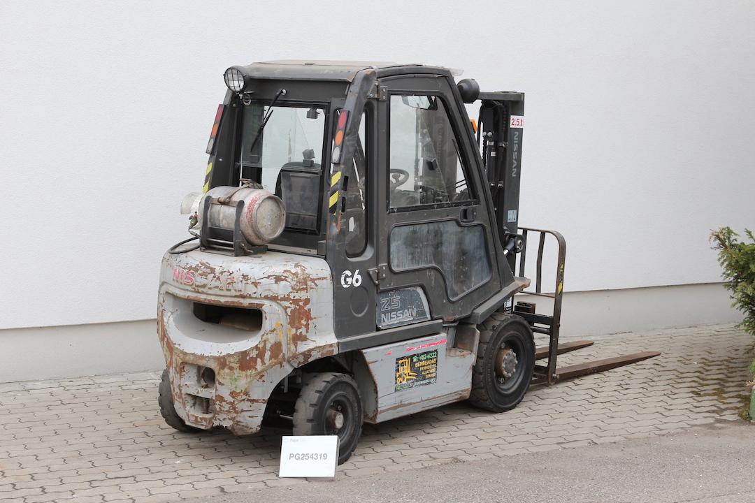 PD254319 használt Nissan targonca - 4