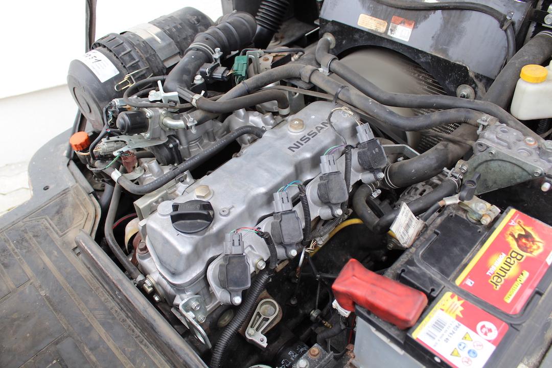 Nissan DX25LPG használt targonca PG254310-2
