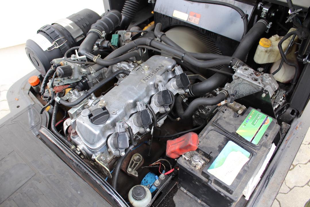 Atlet ( Nissan) U1D2A20LT gázos használt targonca PG204703-2