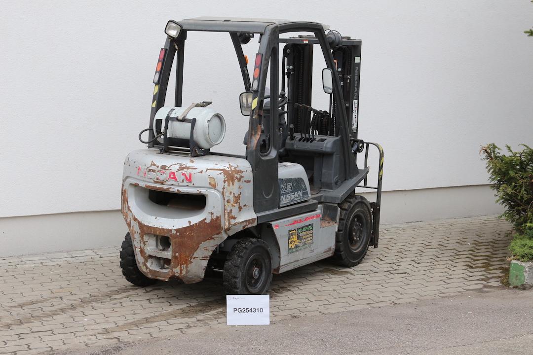 Nissan DX25LPG használt targonca PG254310-1