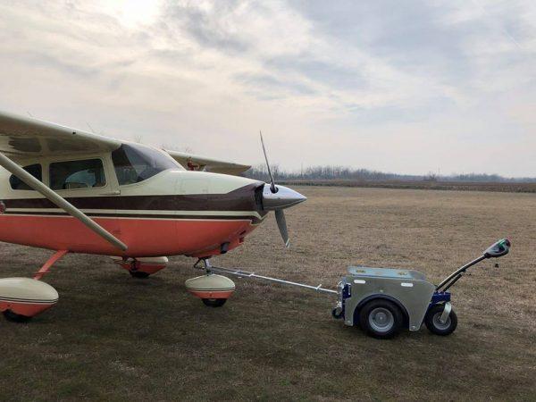 repülőgép vontató